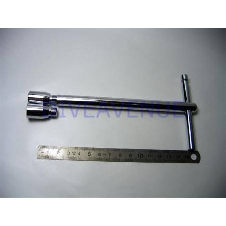 Diving hose protection assembly tool