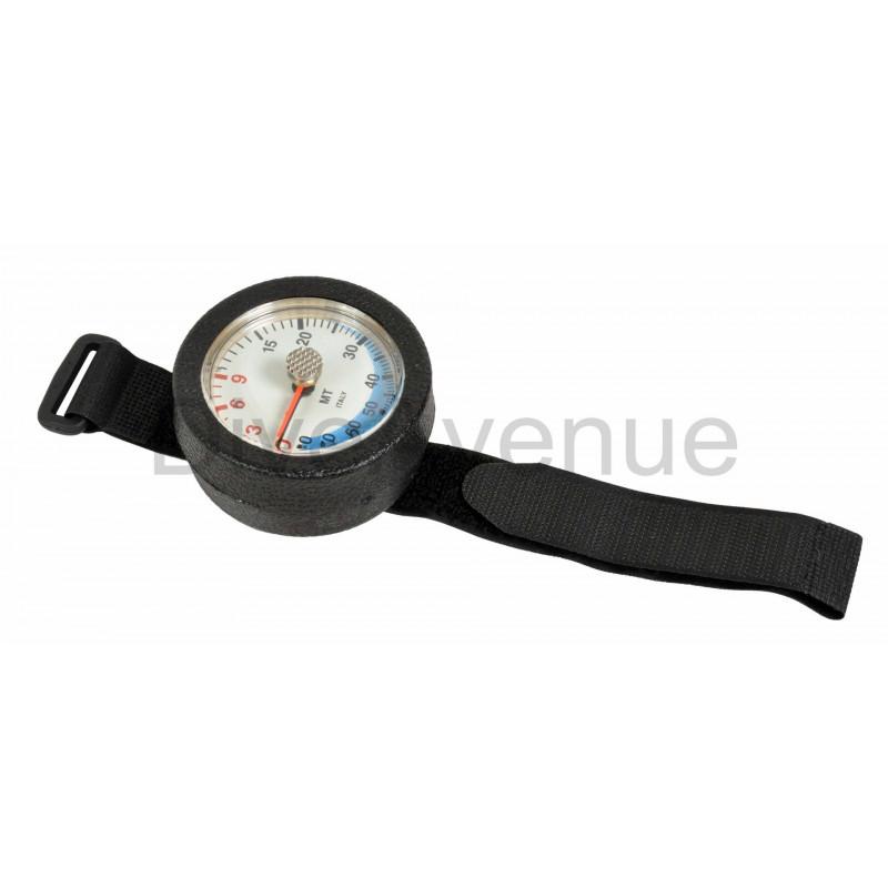 Depth gauge with max depth indicator 0-80m