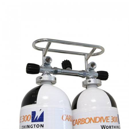 Protection for a two-bottle valve